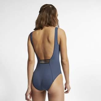 Nike Women's One-Piece Swimsuit Solid U-Back