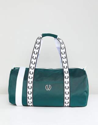 Fred Perry Track Barrel Bag In Green