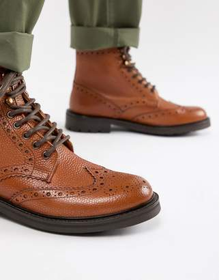 WALK LONDON WALK London Sean brogue boots in tan leather
