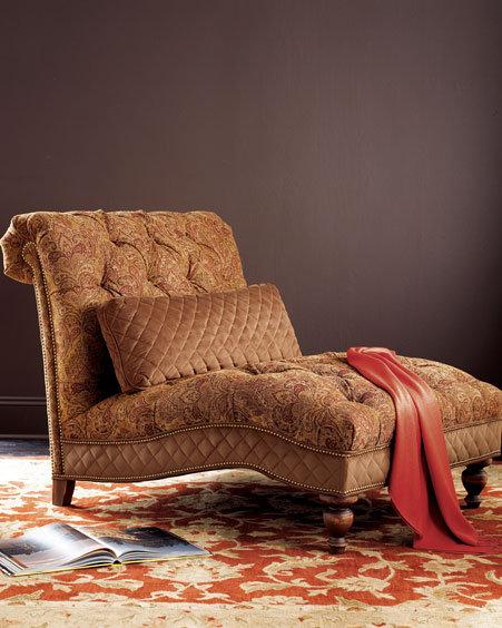 La Fleur Tufted Chaise