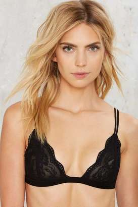 Factory Donna Lace Bralette - Black $18 thestylecure.com