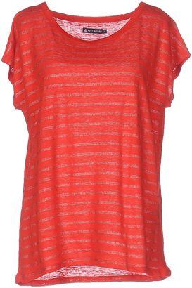 PETIT BATEAU T-shirts $54 thestylecure.com