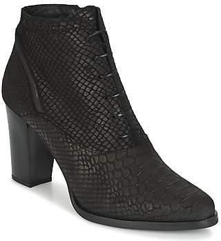 Regard ROXALU women's Low Boots in Black