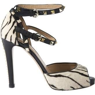 Pre-owned - Pony-style calfskin sandals Valentino UZcxw