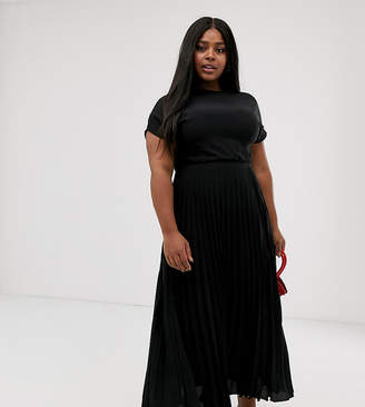 d6e17755 New Look Plus Curve pleated maxi dress in black