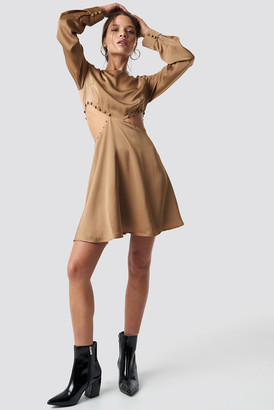 BEIGE Iva Nikolina X Na Kd Flirty Short Buttoned Dress