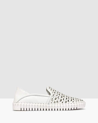 Airflex Jamie Cut Out Leather Loafers