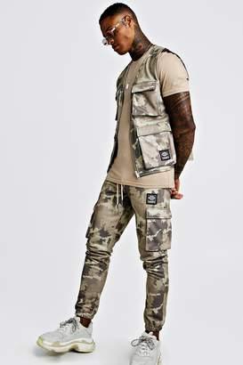 boohoo Camo Utility Vest & Jogger Set With Woven MAN Tab