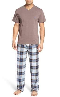 Majestic International T-Shirt & Lounge Pants