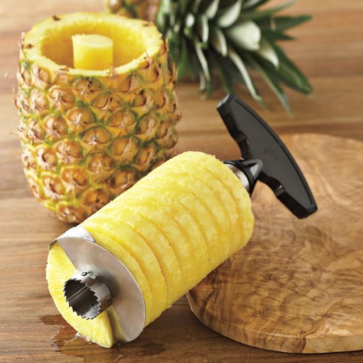 Williams-Sonoma Pineapple Easy Slicer