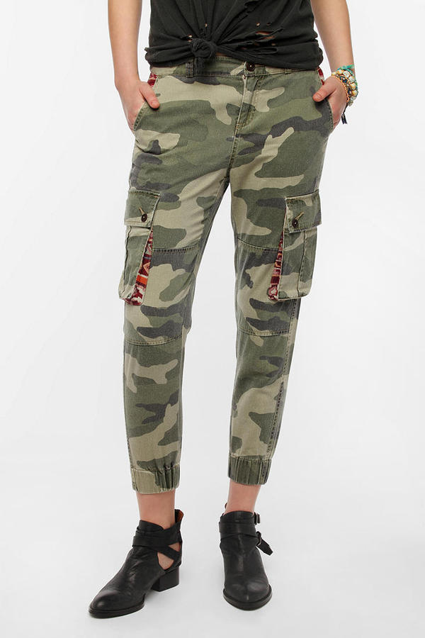 Urban Outfitters Ecote Mid-Rise Relaxed Cargo Pant