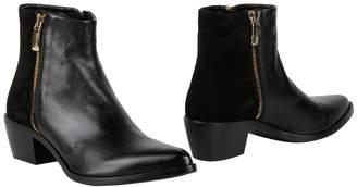 Carlo Pazolini Ankle boots