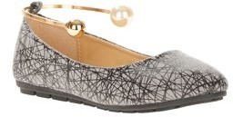 Victoria K. Victoria K Women's Retro Print With Pearl And Gold Ornament Ankle Bracelet Ballet Flats