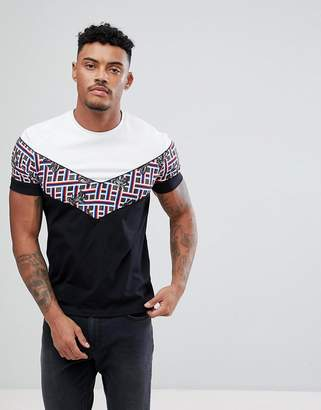 Class Roberto Cavalli T-Shirt In White With Chevron Print