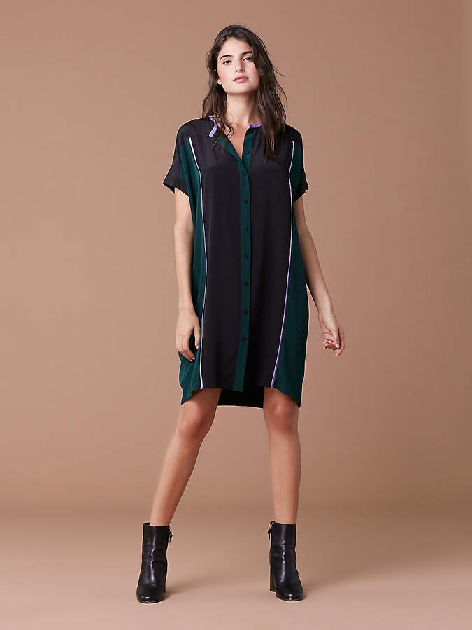 Diane Von Furstenberg Short Sleeve Shirt Dress