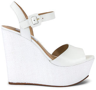 Steve Madden Citrus Wedge