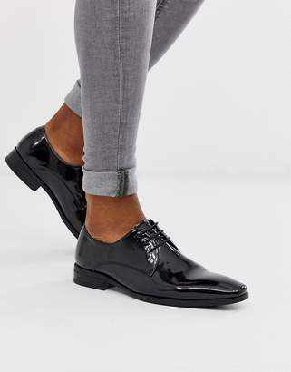 Office macro lace up derby in black patent