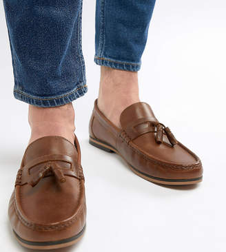 5f10a79e7e4 Asos Design DESIGN Wide Fit tassel loafers in tan leather with natural sole