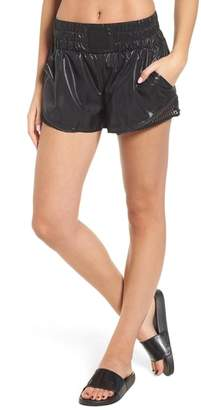 Ivy Park R) Active Mesh Insert Shorts