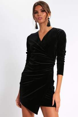 7266c7cd63d3 I SAW IT FIRST Black Long Sleeve Velvet Wrap Front Dress