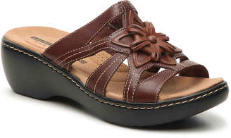 Clarks Delana Venna Wedge Sandal - Women's