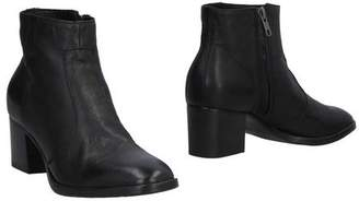 ShoeBAR Ankle boots