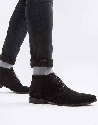 Asos Design DESIGN chukka boots in black faux suede