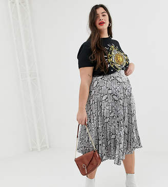 New Look Plus Curve pleated satin midi skirt in grey snake print