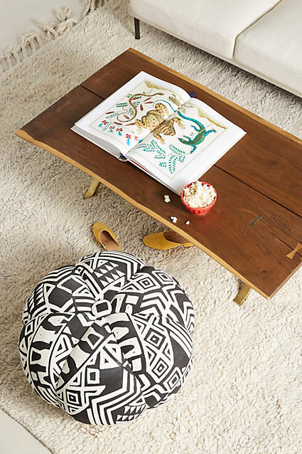African Inspiration - Black and White Geo Print www.toyastales.blogspot.com #ToyasTales #HomeDecor #furniture #African #GeoPrint #BlackAndWhite