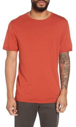 Vince Reverse Hem Slim Fit T-Shirt