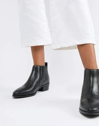 Bronx leather chelsea boots