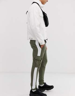 Asos Design DESIGN skinny joggers with cargo pockets and side stripes in khaki
