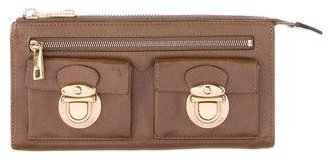 Marc JacobsMarc Jacobs Leather Push-Lock Wallet