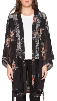 Women's Willow & Clay Floral Print Robe $119 thestylecure.com