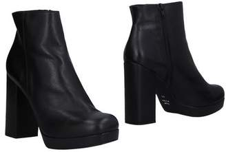 Icon Eyewear LAB 1961 Ankle boots