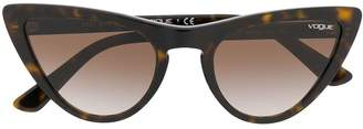 Cat Eye Vogue Eyewear cat-eye frame sunglasses