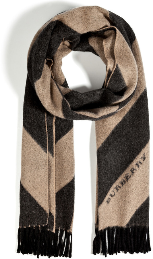 Burberry Mega Cashmere Scarf in Camel Print