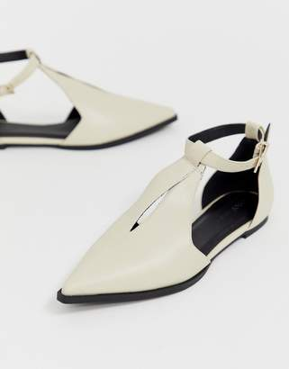 Asos Design DESIGN Lockwood pointed ballet flats in bone