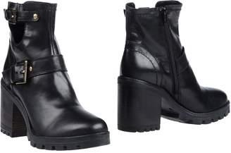 Tru Trussardi Ankle boots