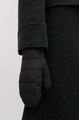 Cos QUILTED MITTENS