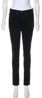 6397 Loose Skinny Mid-Rise Jeans