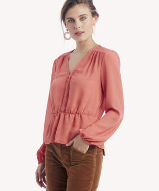 011a4121 1 STATE Women's Long Sleeve V Neck Blouse With Peplum Edge In Color: Desert  Rose