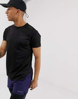 ae3163fe2285a6 Asos 4505 4505 running t-shirt with stepped hem and breathable mesh panels  in black
