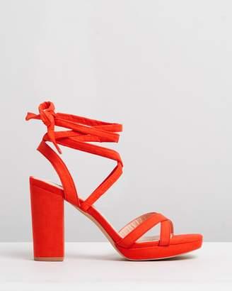 ICONIC EXCLUSIVE - Costa Mesa heels