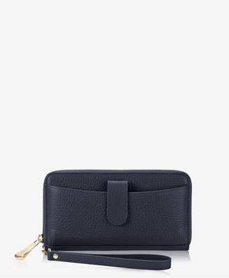 GiGi New York City Wallet In Navy Pebble Grain