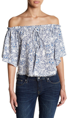 En Creme Lace Up Short Sleeve Blouse $32 thestylecure.com