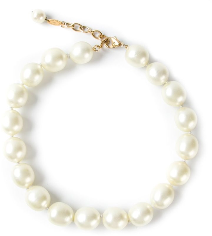 Chanel french chic pearl necklace