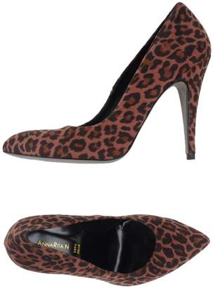 Annarita N. Pumps - Item 11025942GU