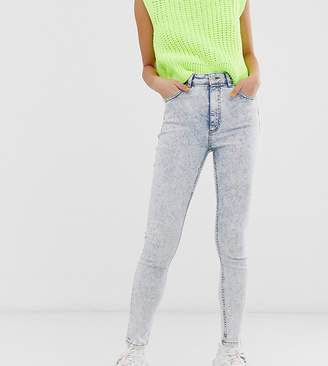 Reclaimed Vintage inspired The '90 skinny jeans in acid wash