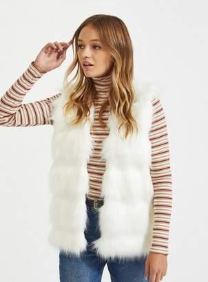 Miss Selfridge Cream faux fur knitted gilet